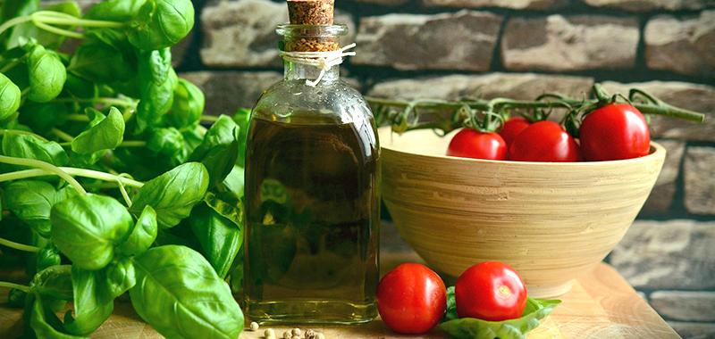Pet namirnica koje čine osnovu dalmatinske kuhinje